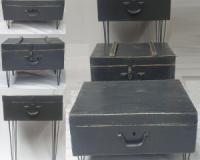 3 valize din lemn, 12 picioare din fier